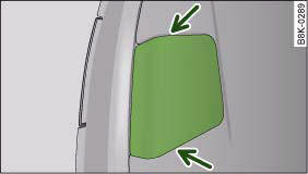 Boot lid: Opening the cover in the boot lid